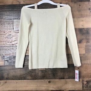 THE EDIT TOP COLD SHOULDER CREAM WITH GOLD ACCENT